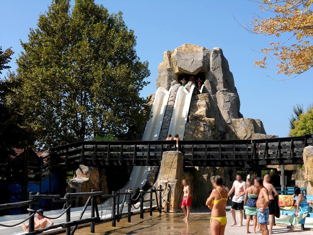 Der Canevaworld Aquapark bietet Rutschen wie den Typhoon, die Anaconda oder den Trisplash